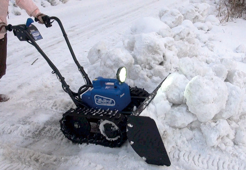93 Disabled Veteran Converts Wheelchair Into Snow Plow To Help Town